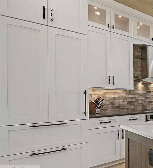 Monterey Cabinets Kitchen with Pearl Opaque
